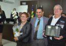 """Homenagens e muita emoção na entrega de 26 títulos de """"Cidadão Cocalzinhense"""", realizado pela Câmara Municipal."""